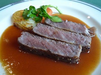 県民共済披露宴の食事:メインのステーキ