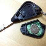 車のキーレスエントリーが効かなくなったら電池交換の巻