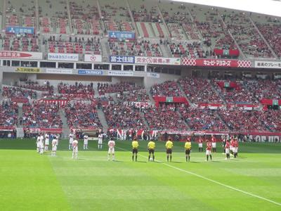埼玉スタジアムでレッズ戦を観に行った:キックオフ前に東日本大震災の犠牲者の方々への黙祷。